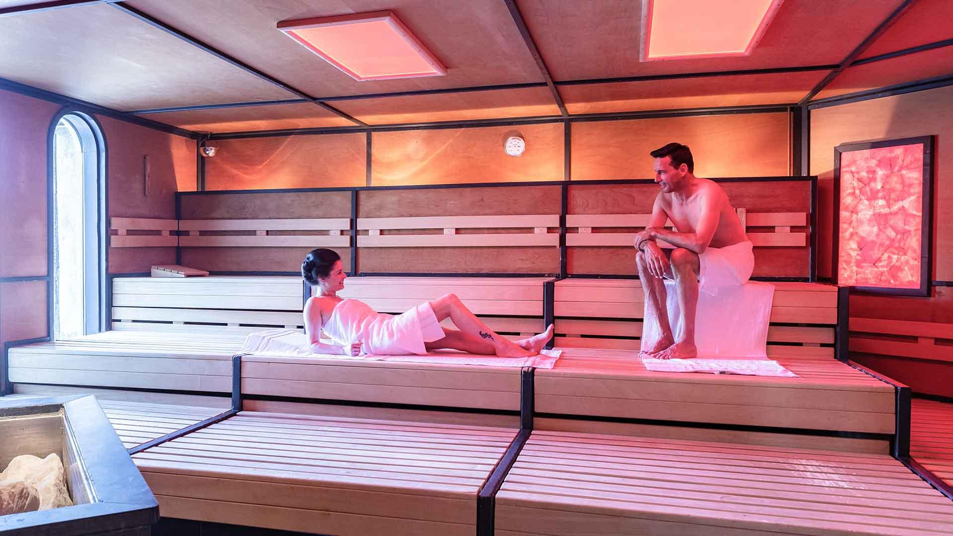 Saunawelt Indoor - Kristall Palm Beach in Stein bei Nürnberg